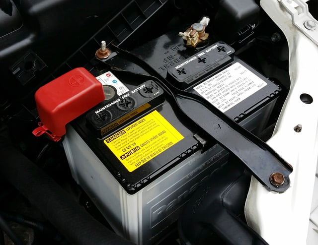 Conventional 12 Volt Car Battery (Can Electric Car Batteries Be Recycled?)